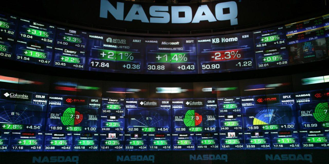 Mercato azionario al giorno d'oggi: Il NasdaQ sfonda i 10.000